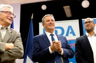 """Nicolas Dupont-Aignan, candidat de """"Debout la France"""", lors d'une réunion publique à Villeneuve Saint-Georges, le 13 mars 2017"""