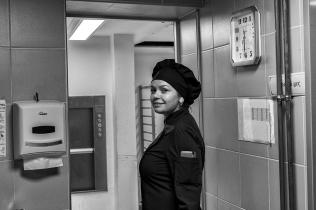 Le sourire de Galina : il est 11h30, tout est prêt pour le service de 12H.