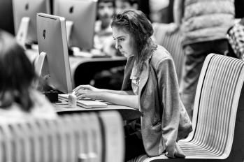 Le centre Tumo permet aux jeunes d'entrevoir un avenir professionnel. Les étudiants sortent avec un niveau de classe préparatoire dans les disciplines choisies. Aujourd'hui, en Arménie, 30% des femmes travaillent dans le secteur des nouvelles technologies, c'est le double de la moyenne européenne. Deux nouveaux centres devraient s'ouvrir en Arménie, faisant de l'apprentissage des nouvelles technologies un objectif national et surtout une marque de fabrique. Aujourd'hui, la pédagogie Tumo s'exporte à l'étranger : il existe une franchise à Paris (au Forum des Images), Beyrouth, Tirana, Moscou, et le dernier en date, Berlin.