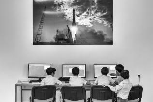 L'intérêt de l'Arménie pour les nouvelles technologies est une suite logique de son héritage. Ce pays était le centre scientifique de l'Union soviétique, fournissant près de la moitié des besoins technologiques de l'armée. En 2008, est née l'idée d'implanter des clubs de robotique dans les écoles publiques. Puis fort de ce succès, est créé en 2014 le label Armath qui a élargi le champ des technologies.